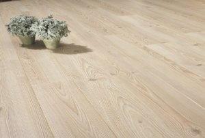 Multiplank houten vloer in de slaapkamer de vloerderij houten vloeren