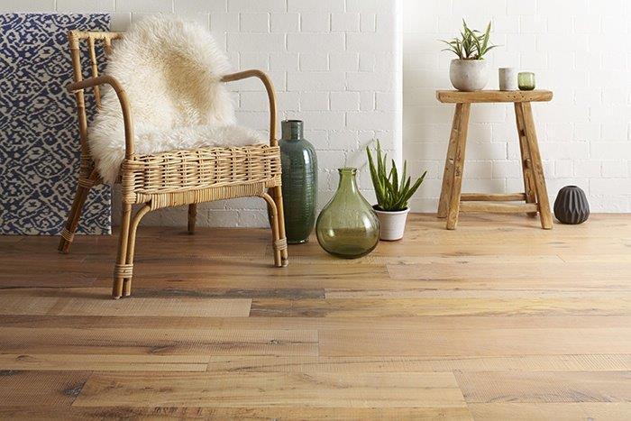 Aanbiedingen houten vloeren tot wel voordeel vloerderij