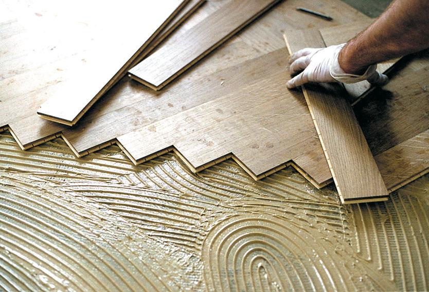 Houten Vloer Lijmen : Zelf houten vloer lijmen massief houten vloer leggen gamma be zo